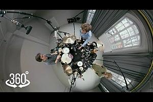 360°全景VR视频:《紫丁香-爵士鼓》2K360°视频免费下载 (2021)